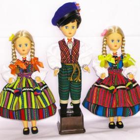 Lalki w strojach regionalnych